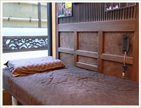 岡崎市の栄光接骨院の外観と内装